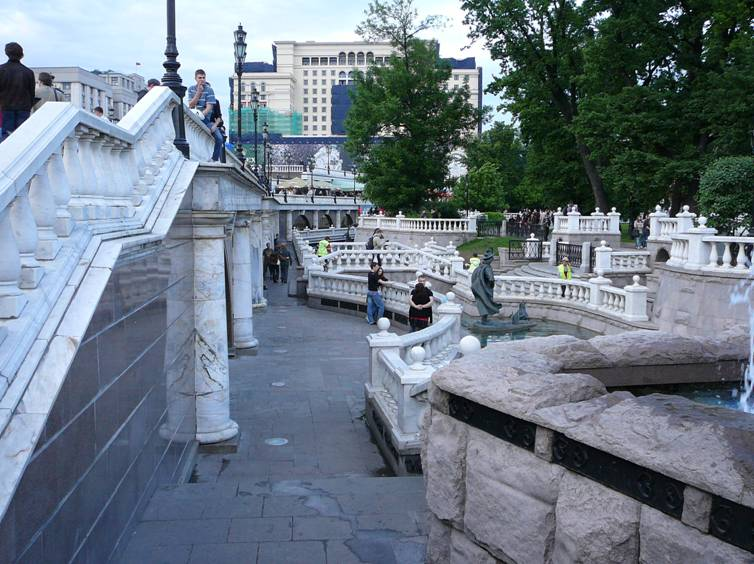 "Shopping complex �Okhotny Ryad� (architect � Michael Posokhin Jr.), which together with the accomplishment of ""adjacent territory"" entered Alexander Garden, destroyed part of the historical fence essentially violated the solemn atmosphere around the Tomb of the Unknown Soldier ."